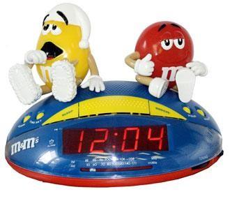 M8CR1 AM/FM clock radio