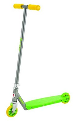 Berry Scooter - Green/Yellow   - 13011730- OPEN BOX
