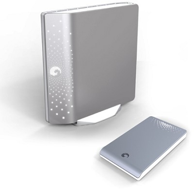 FreeAgent Desk 1.5 TB USB 2.0 Port External Hard Drive-Silver