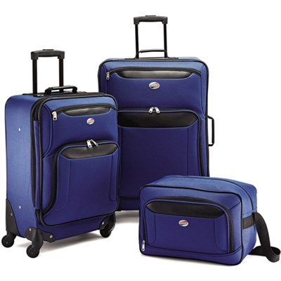Brookfield Navy 3 Piece Luggage Set (21` Spinner, 25` Spinner, Boarding Bag)